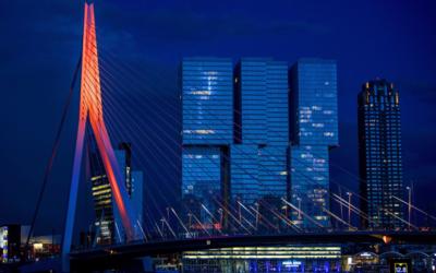 Rotterdam: Erasmusbrug, Euromast én Hofpleinfontein oranje!
